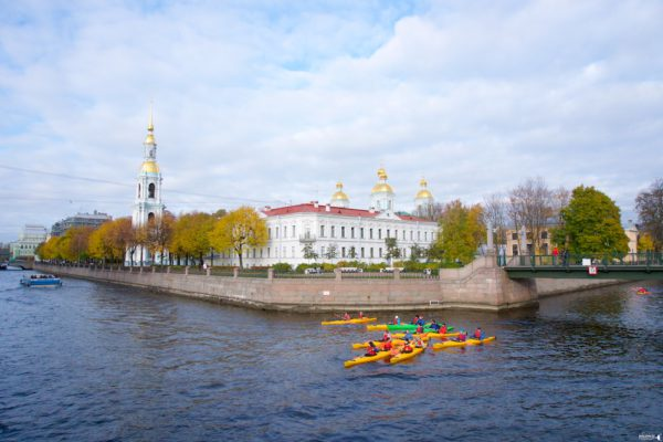 Kayaking in Saint Petersburg Historical Part of the City (Early Morning)